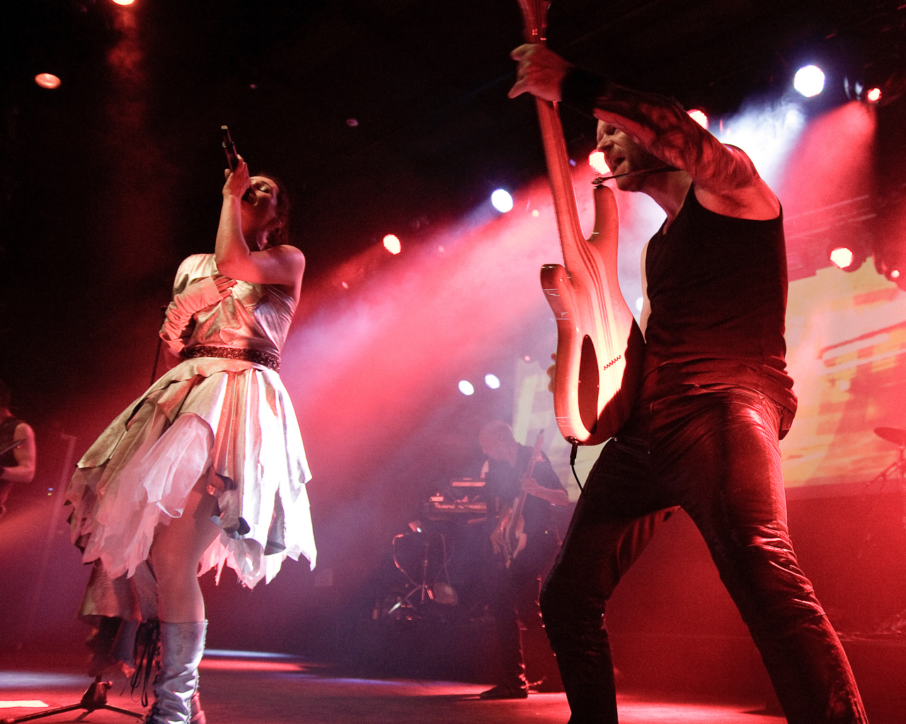 Within Temptation live Roope Anttinen