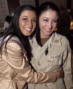 Jaclyn_Nesheiwat_with_sister