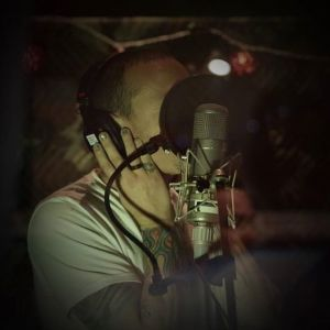 Alterock-linkin_park_2016_studio